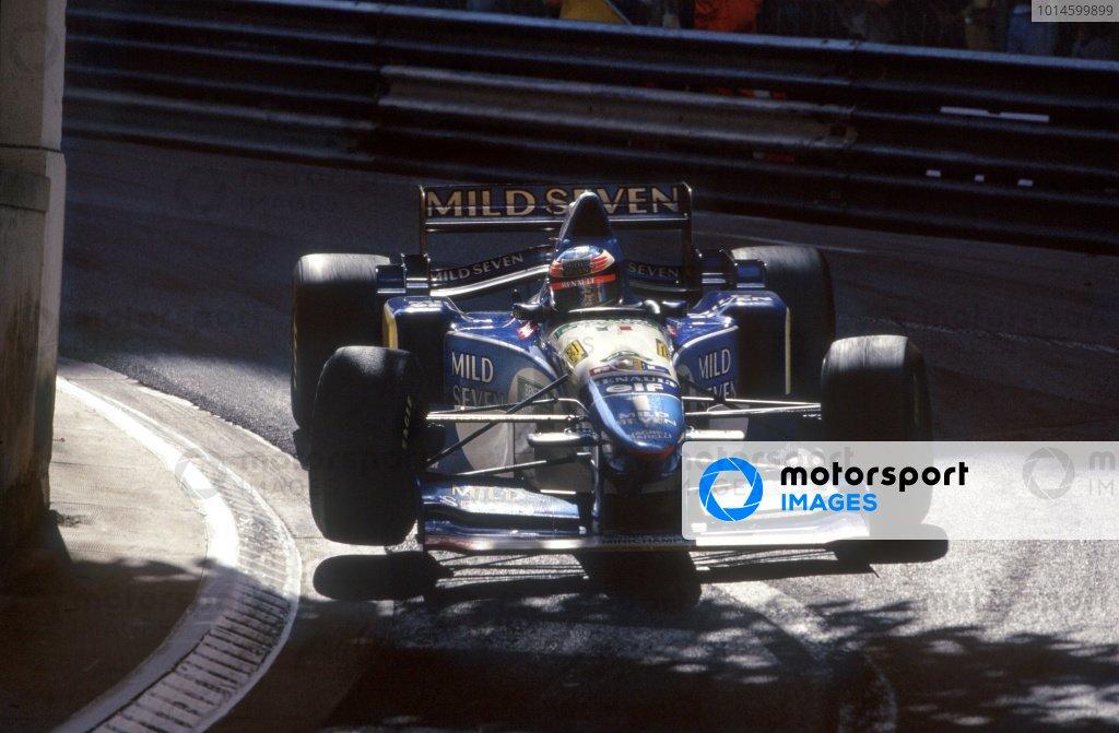 1995 Monaco Grand Prix. Monte Carlo, Monaco. 28 May 1995. Michael Schumacher, Benetton B195-Renault, 1st position, action. World Copyright: LAT Photographic Ref: 35mm transparency 95MON10