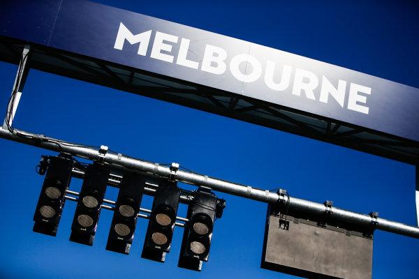 Start lights above the grid in Melbourne