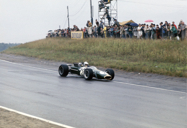 Mosport Park, Ontario, Canada. 25 - 27 August 1967.Denny Hulme (Brabham BT24-Repco), 2nd position, action. World Copyright: LAT Photographic.Ref:  67CAN24