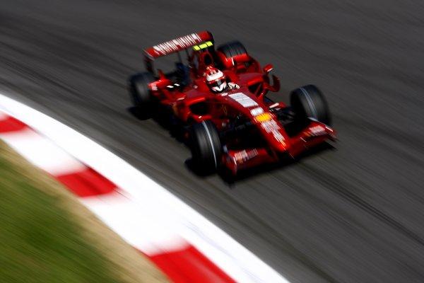 2007 Italian Grand PrixAutodromo di Monza, Monza, Italy.7th - 9th September 2007.Kimi Raikkonen, Ferrari F2007. Action.World Copyright: Lorenzo Bellanca/LAT Photographicref: Digital Image _64I7041