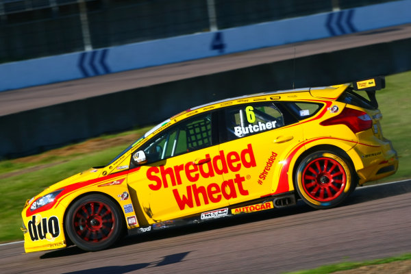 2017 British Touring Car Championship, Rockingham, England. 26th-27th August 2017, Rory Butcher (GBR) Team Shredded Wheat Racing with Duo Ford Focus World Copyright. JEP/LAT Images