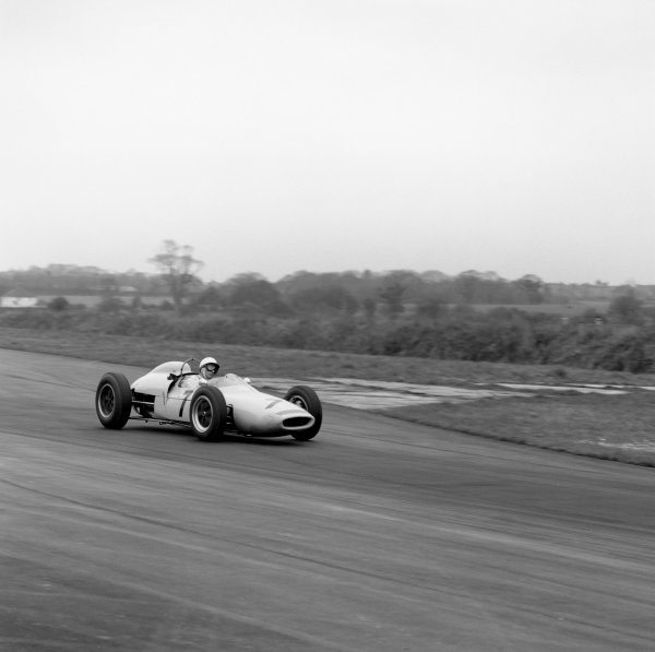 Goodwood, West Sussex, Great Britain. 18th  August 1962. Stirling Moss (Lotus 18/21), retired, action. World Copyright: LAT Photographic Ref: 12697.