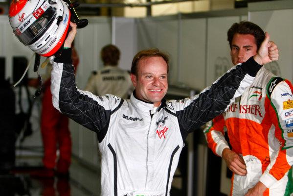 Interlagos, Sao Paulo, Brazil.17th October 2009.Rubens Barrichello, Brawn GP BGP001 Mercedes celebrates after taking Pole Position.World Copyright: Charles Coates/LAT Photographicref: Digital Image _26Y2383