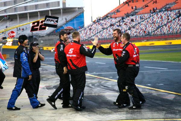 6-7 October, 2016, Concord, North Carolina USA Joey Logano's crew celebrates his win ?2016, Lesley Ann Miller LAT Photo USA