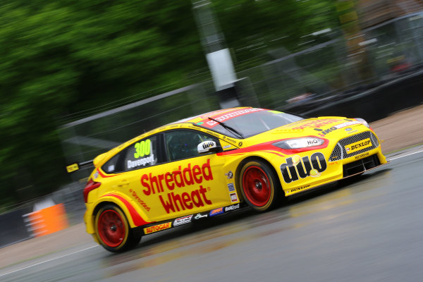 2017 British Touring Car Championship, Oulton Park, 20th-21st May 2017, Luke Davenport (GBR) Team Shredded Wheat Racing with Duo Ford Focus World copyright. JEP/LAT Images