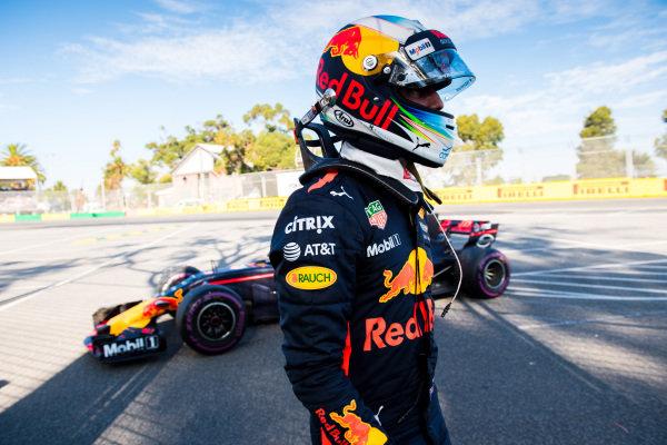 Daniel Ricciardo (AUS) Red Bull Racing RB13 retires from the race at Formula One World Championship, Rd1, Australian Grand Prix, Race, Albert Park, Melbourne, Australia, Sunday 26 March 2017.