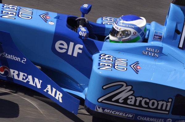 2001 Brazilian Grand Prix.Interlagos, Sao Paulo, Brazil. 30/3-1/4 2001.Giancarlo Fisichella (Benetton B201 Renault) 6th position.World Copyright - Steve Etherington/LAT Photographic ref: 18MB Digital