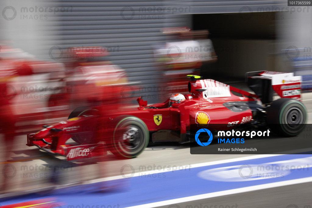 Kimi Räikkönen, Ferrari F60 comes in for a pit stop.