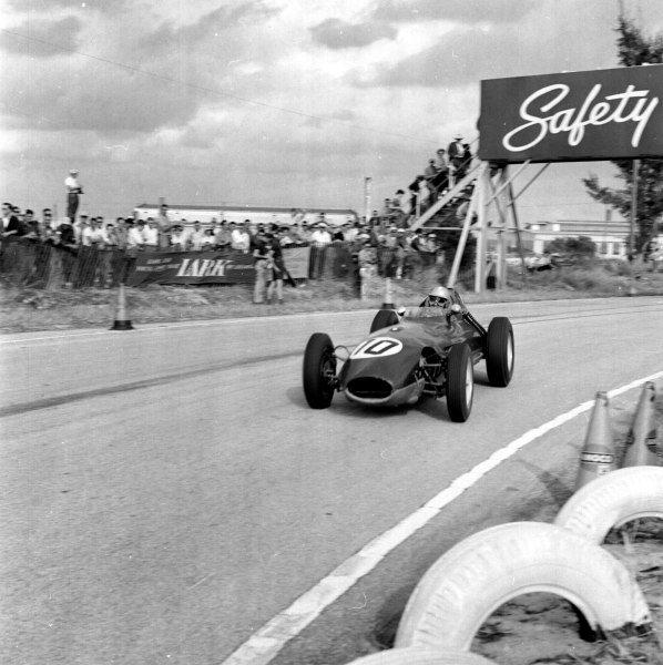 1959 United States Grand Prix.Sebring, Florida, USA.10-12 December 1959.Innes Ireland (Lotus 16 Climax) 5th position.Ref-5550.World Copyright - LAT Photographic