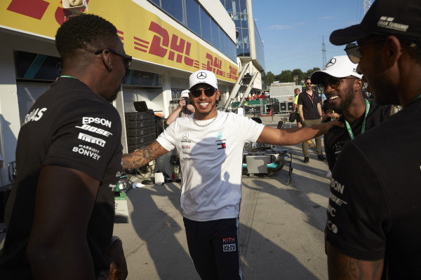 Lewis Hamilton, Mercedes AMG F1, 1st position, the Mercedes team and guests celebrate victory