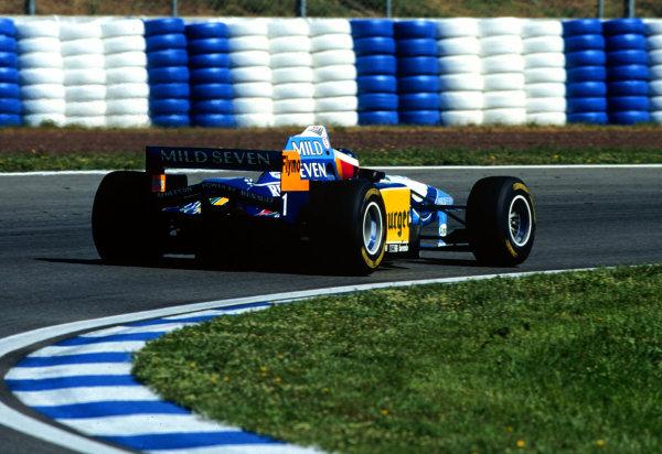 1995 Spanish Grand Prix.Catalunya, Barcelona, Spain.12-14 May 1995.Michael Schumacher (Benetton B195 Renault) 1st position.World Copyright - LAT Photographic