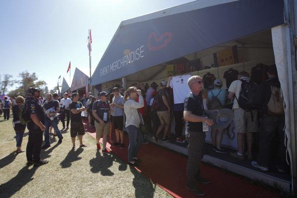 Fans and atmosphere at Formula One World Championship, Rd1, Australian Grand Prix, Race, Albert Park, Melbourne, Australia, Sunday 20 March 2016.