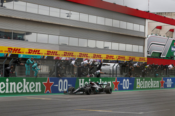 Lewis Hamilton, Mercedes F1 W11 EQ Performance, crosses the line in 1st position to take his 92nd Grand Prix win, the most for any driver in F1 history