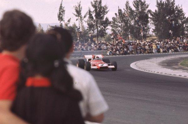 1970 Mexican Grand Prix.Mexico City, Mexico.23-25 October 1970.Clay Regazzoni (Ferrari 312B) 2nd position.Ref: 70 MEX 69.World Copyright - LAT Photographic
