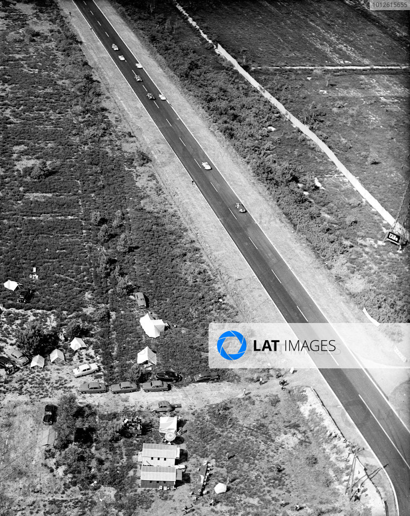 Le Mans, France.11-12 June 1955.An aerial view of the Mulsanne Straight.Ref-Motor 780/15.World Copyright - LAT Photographic