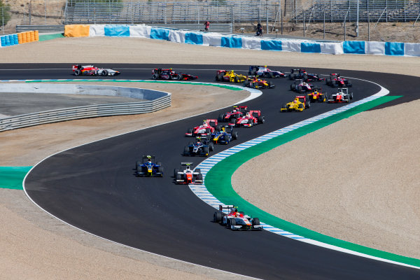 2017 FIA Formula 2 Round 10. Circuito de Jerez, Jerez, Spain. Sunday 8 October 2017. Alex Palou (JPN, Campos Racing), leads Jordan King (GBR, MP Motorsport) and the rest of the field at the start of the race. Photo: Zak Mauger/FIA Formula 2. ref: Digital Image _X0W2684