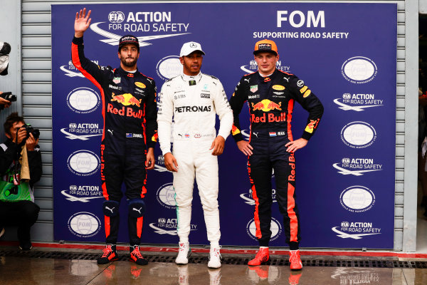 Autodromo Nazionale di Monza, Italy. Saturday 02 September 2017. Lewis Hamilton, Mercedes AMG, celebrates with Daniel Ricciardo, Red Bull Racing, and Max Verstappen, Red Bull Racing, after taking his 69th F1 Pole Position. World Copyright: Zak Mauger/LAT Images  ref: Digital Image _56I7677