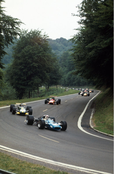 Rouen-les-Essarts, France. 7 July 1968. Jackie Stewart (Matra MS10-Ford), 3rd position, action. World Copyright: LAT Photographic Ref: 68FRA20.