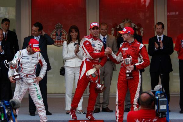 Saturday Race. 23rd May 2009. Pastor Maldonado (VEN, ART Grand Prix) celebrates his victory on the podium with Jerome D'Ambrosio (BEL, Dams) and Nico Hulkenberg (GER, ART Grand Prix). World Copyright: Andrew Ferraro / GP2 Series Media Service.Ref: _H0Y0286 jpg