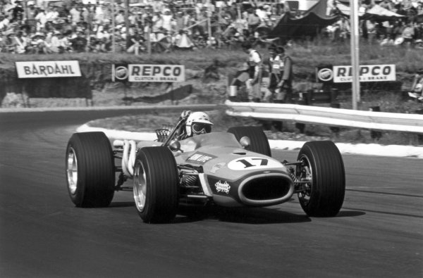 1968 South African Grand Prix.Kyalami, South Africa. 1 January 1968.John Love, Brabham BT20-Repco, 9th position, action.World Copyright: LAT PhotographicRef: 1841 #21