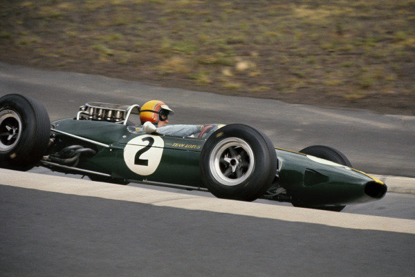 Nurburgring, Germany. 30/7 - 1/8 1965. RD7Mike Spence, Lotus 33, retired on lap 8, action. World Copyright: LAT Photographic.Ref: 65GER04.