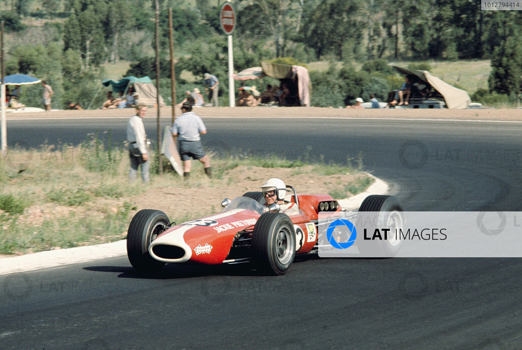 1968 South African Grand Prix.Kyalami, South Africa.30/12/67-1/1/1968.Jackie Pretorius (Brabham BT11 Climax). Ref-68 SA 15.World Copyright - LAT Photographic