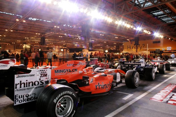 2007 Autosport International ShowNEC, Birmingham. 11th - 14th January 2007.Crowds gather at the F1 Racing stand.World Copyright: Alastair Staley/LAT Photographicref: Digital Image _F6E1196