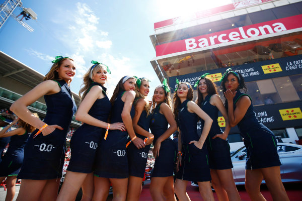Circuit de Catalunya, Barcelona, Spain. Saturday 13 May 2017. Grid Girls. World Copyright: Andy Hone/LAT Images ref: Digital Image _ONZ5644