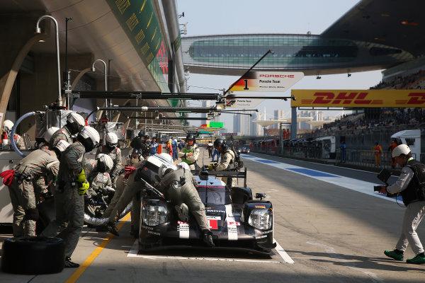 2016 FIA World Endurance Championship, Shanghai, China. 4th - 6th November 2016. Timo Bernhard / Mark Webber / Brendon Hartley - Porsche Team Porsche 919 Hybrid. World Copyright: Ebrey / LAT Photographic.