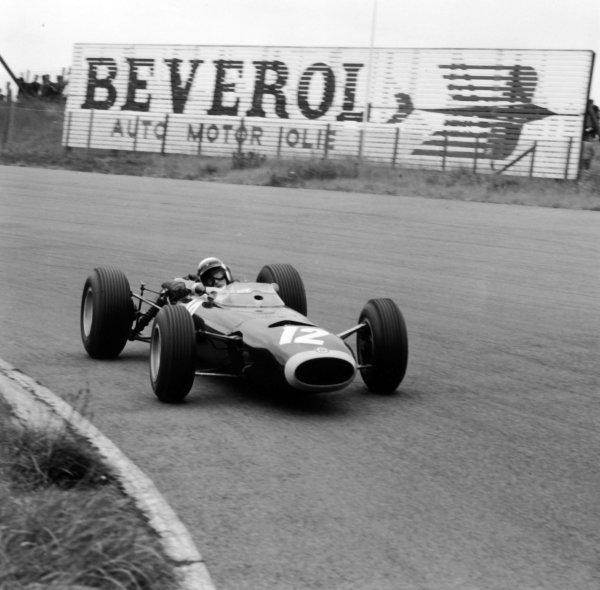 1965 Dutch Grand Prix.Zandvoort, Holland. 18 July 1965.Jackie Stewart, BRM P261, 2nd position, action.World Copyright: LAT Photographic.ref: 30161