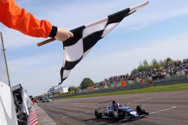 2016 British F4 Championship, Thruxton, 7th-8th My 2016, Devlin DeFrancesco (CAN) Carlin MSA Formula  World copyright. Jakob Ebrey/LAT Photographic
