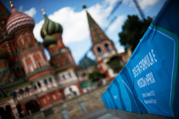 2014/2015 FIA Formula E Championship.  Formula E sign in front of Saint Basil's Cathedral, Red Square Moscow e-Prix, Moscow, Russia. Thursday 4 June 2015.  Photo: Sam Bloxham/LAT/Formula E ref: Digital Image _SBL3660
