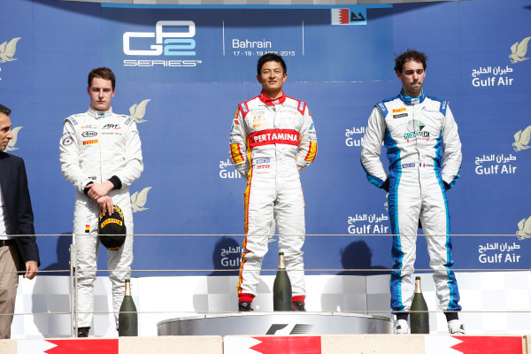 2015 GP2 Series Round 1 - Bahrain International Circuit, Bahrain. Sunday 19 April 2015. Rio Haryanto (INA, Campos Racing), Stoffel Vandoorne (BEL, ART Grand Prix) & Nathanael Berthon (FRA, Lazarus)  Photo: Glenn Dunbar/GP2 Series Media Service. ref: Digital Image _89P9544