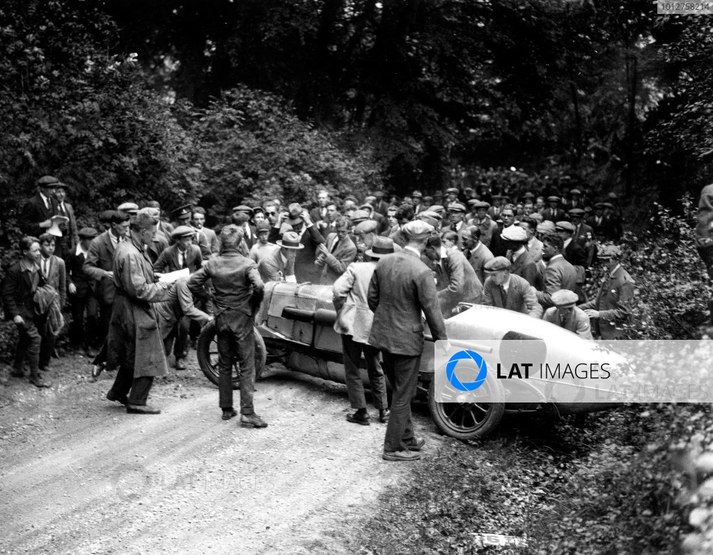 1924 Surbiton Club Hillclimb.Spectators attempt to clear a spun competitor.A Race Through Time exhibition number 112.World Copyright - LAT Photographic