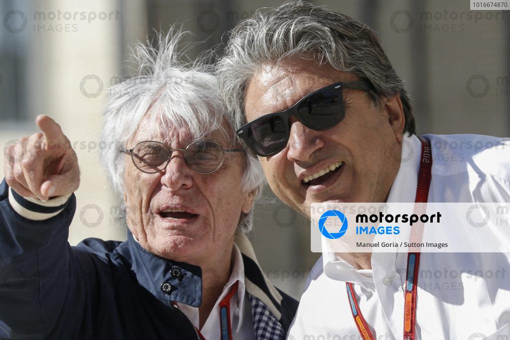 Bernie Ecclestone (GBR) CEO Formula One Group (FOM) and Pasquale Lattuneddu (ITA) of the FOM at Formula One World Championship, Rd18, United States Grand Prix, Qualifying, Circuit of the Americas, Austin, Texas, USA, Saturday 22 October 2016.