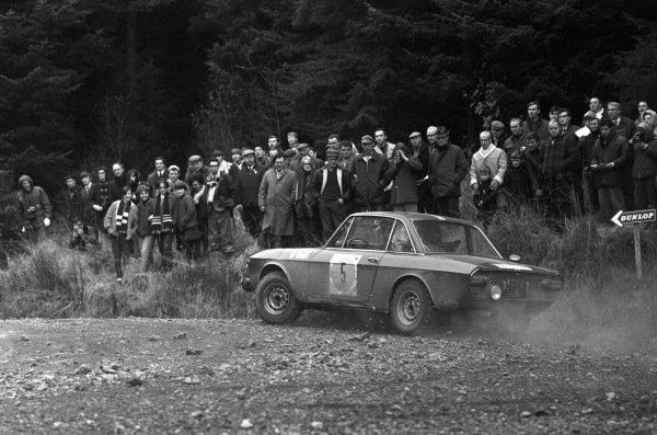 Hannu Mikkola / Jyrki Ahava, Lancia Fulvia coupe.