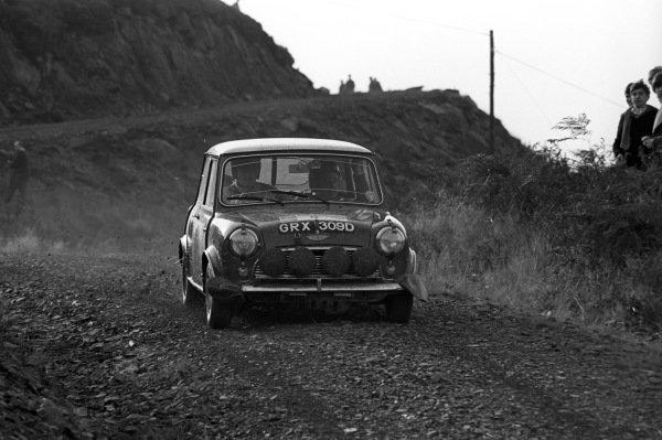 Graham Hill /  Maxwell Boyd, Mini Cooper.