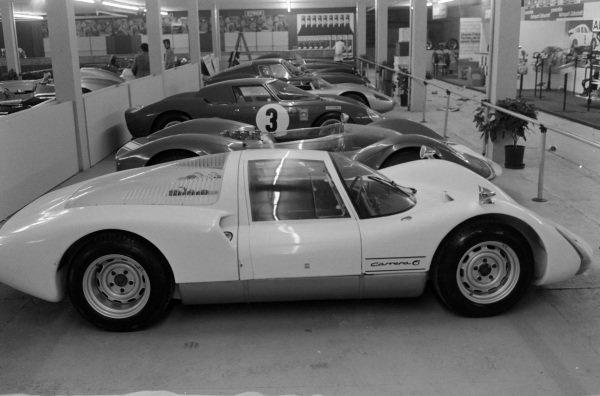 Porsche Carrera 6/906