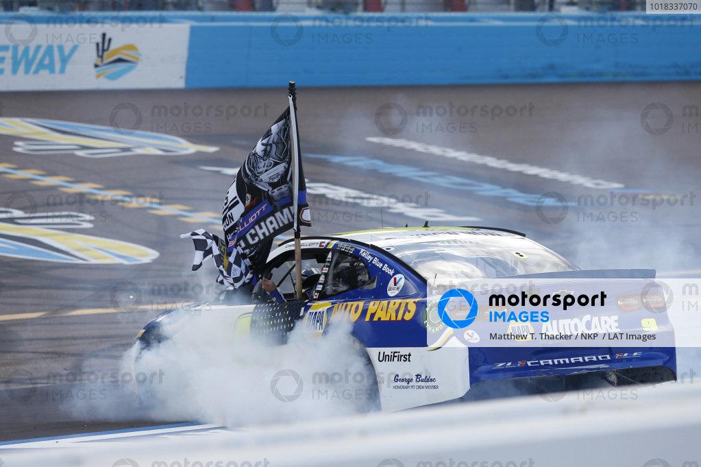 #9: Chase Elliott, Hendrick Motorsports, Chevrolet Camaro NAPA Auto Parts Championship Celebration