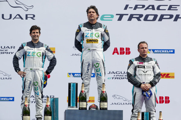 Cacá Bueno (BRA), Jaguar Brazil Racing, 1st position, Sérgio Jimenez (BRA), Jaguar Brazil Racing, 2nd position, and Simon Evans (NZL), Team Asia New Zealand, 3rd position, on the podium