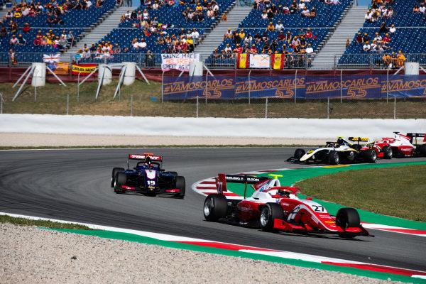 Jehan Daruvala (IND, PREMA Racing) and Niko Kari (FIN, Trident)