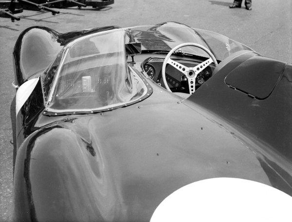 1956 Le Mans 24 hours.Le Mans, France. 28-29 July 1956.Jaguar D-Type.Ref-Motor 779/64.World Copyright - LAT Photographic