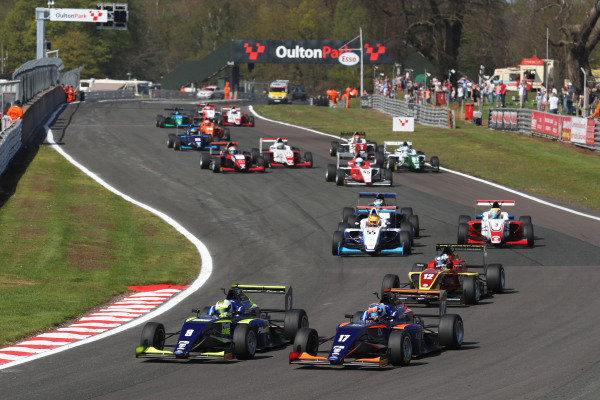 Start of the race, Clement Novalak (GBR) Carlin BRDC F3 leads