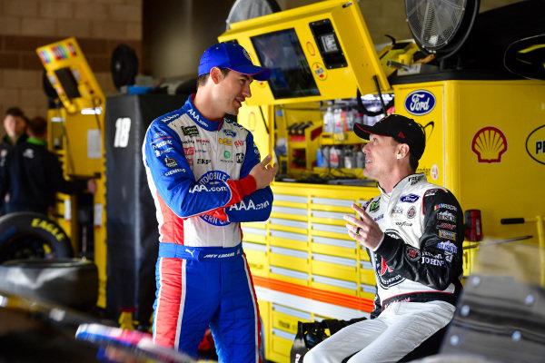 #22: Joey Logano, Team Penske, Ford Mustang AAA Southern California, #4: Kevin Harvick, Stewart-Haas Racing, Ford Mustang Jimmy John's