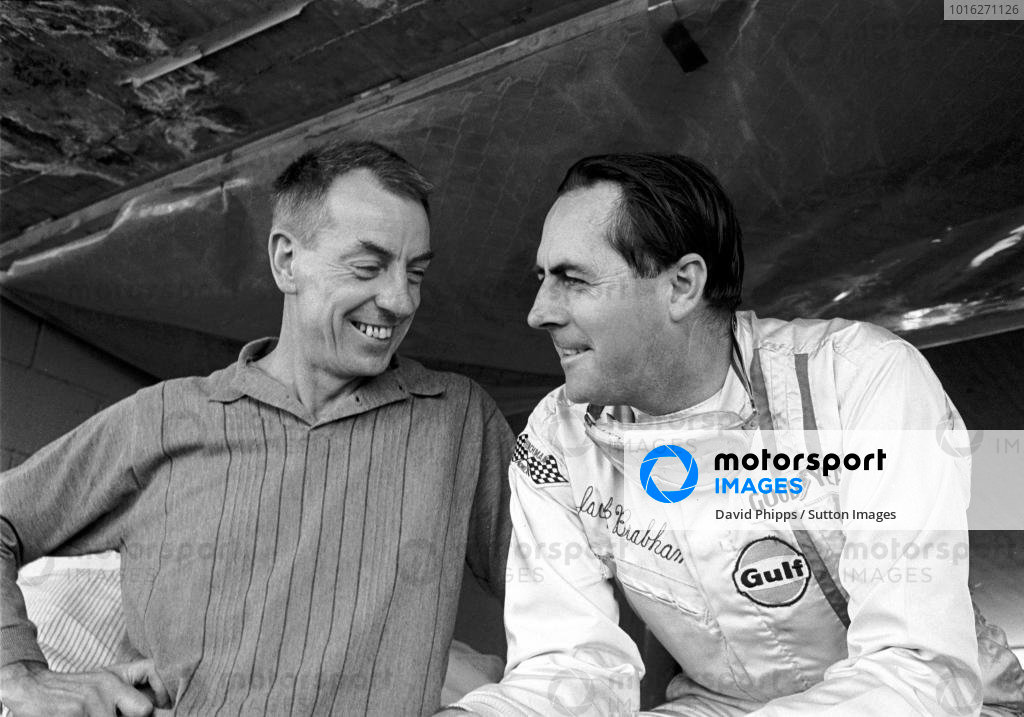 Ron Tauranac(AUS) Brabham Designer and Jack Brabham(AUS) Team Owner Mexican GP, Mexico City, 19 October 1969