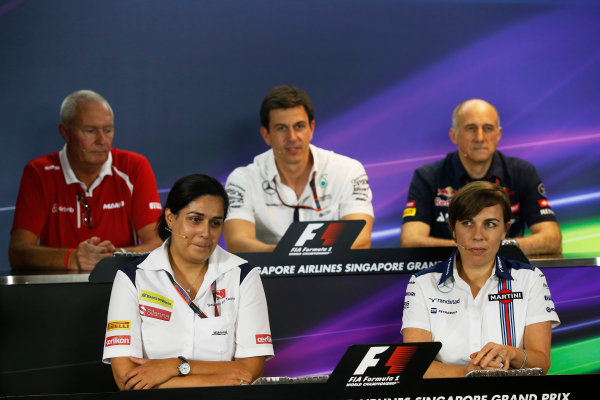 Marina Bay Circuit, Singapore. Friday 18 September 2015. Monisha Kaltenborn, Team Principal and CEO, Sauber, John Booth, Team Principal, Manor Marussia F1, Toto Wolff, Executive Director (Business), Mercedes AMG, Claire Williams, Deputy Team Principal, Williams F1, and Franz Tost, Team Principal, Toro Rosso, in the team principals Press Conference. World Copyright: Alastair Staley/LAT Photographic ref: Digital Image _R6T4470