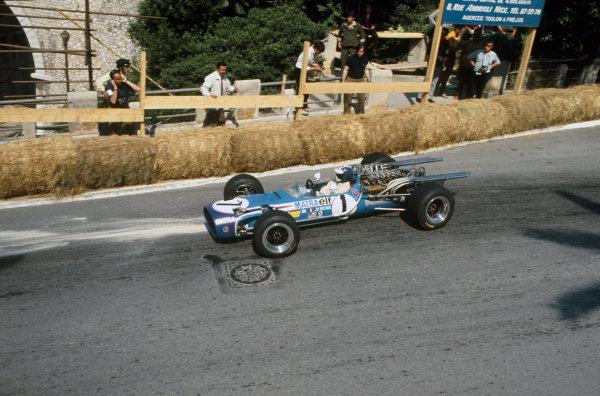 Monte Carlo, Monaco. 26 May 1968. Jean-Pierre Beltoise (Matra MS11-Matra), retired, action. World Copyright: LAT Photographic. Ref: 68MON17.