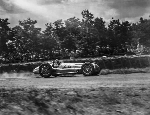 Rudolf Caracciola, Mercedes-Benz W154.