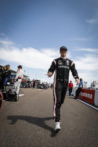 Josef Newgarden, Team Penske Chevrolet on the grid