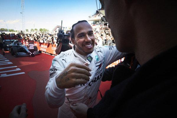 Lewis Hamilton, Mercedes AMG F1, 1st position, in Parc Ferme